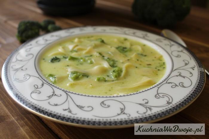 022 Zupa serowa zbrokułami KuchniaWeDwoje.pl