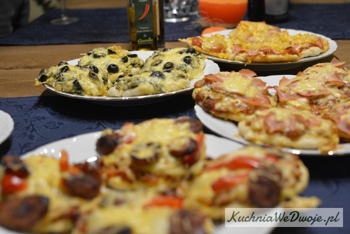 070 Mini pizza w4 smakach (wersja I) [KuchniaWeDwoje.pl] 2