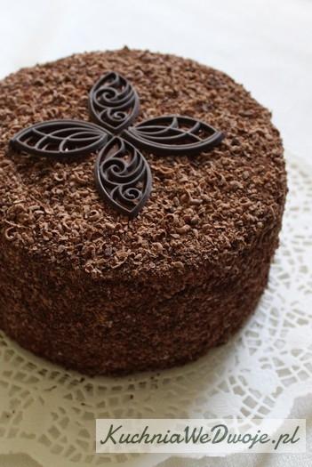 063 Tort mocno czekoladowy zmasą śmietanową KuchniaWeDwoje.pl 4