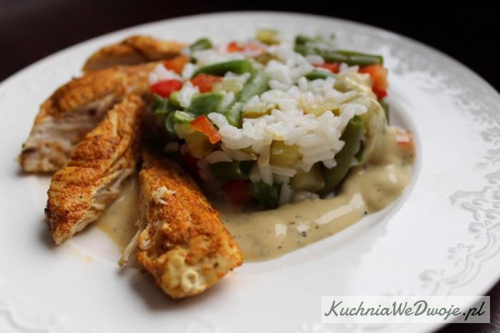 105 Sałatka dietetyczna zkurczakiem iryżem[KuchniaWeDwoje.pl] 2
