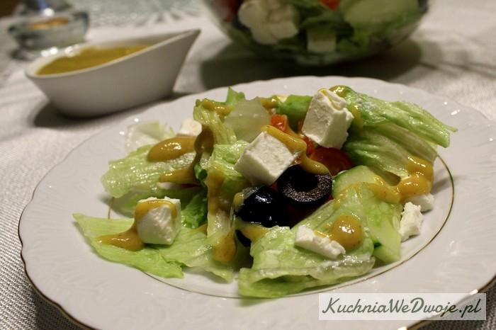 141-salatka-z-feta-i-sosem-musztardowym-kuchniawedwoje-pl