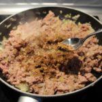3. Upieczone mięso doprawić