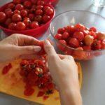 2. Obrać pomidory