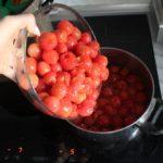 4. Doodcedzonej zalewy dodać warzywa