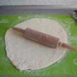 4. Rozwałkować ciasto