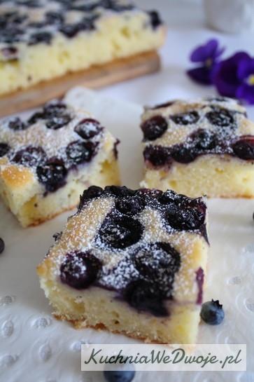 Ciasto jogurtowe zborowkami KuchniaWeDwoje_PL 3