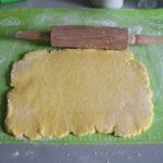 3. Rozwałkować resztę ciasta