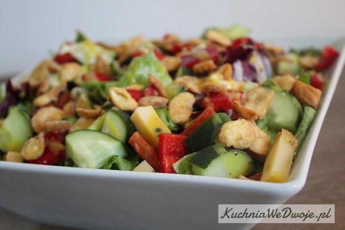 346 Salatka zkabanosem ioscypkiem KuchniaWeDwoje_PL 2
