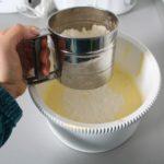 5. Przesiać mąkę