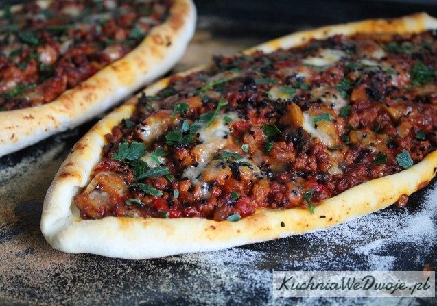 363 Turecka Pida z miesem mielonym KuchniaWeDwoje_PL 1