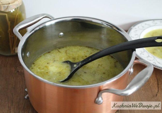 417 Zupa ogórkowa zryżem KuchniaWeDwoje_pl 1