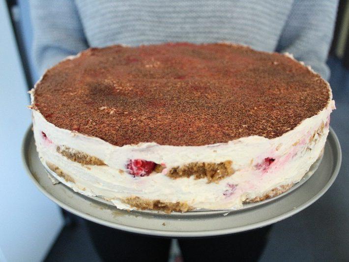 481 Tort tiramisu z malinami KuchniaWeDwoje_pl