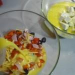6. Wlać dofarszów popół masy jajecznej