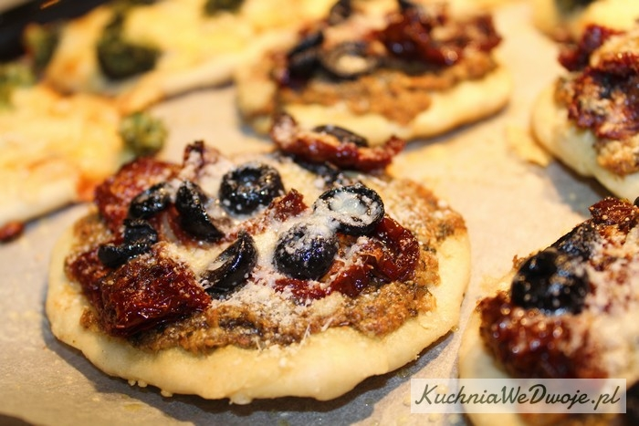 070-mini-pizza-w-4-smakach-cz-ii-kuchniawedwoje-pl-3