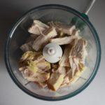 2. Kawałki mięsa zblenderować