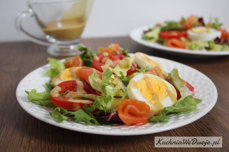 421 Salatka zlososiem ijajkiem KuchniaWeDwoje_pl